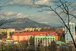 Jarní Frenštát - v pozadí Skalka, za ní Lysá hora